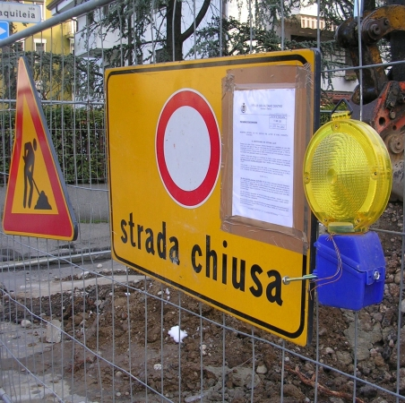 segnaletica-temporanea-cantiere-stradale.jpg